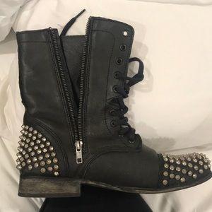 Combat boots ( Steve Madden)
